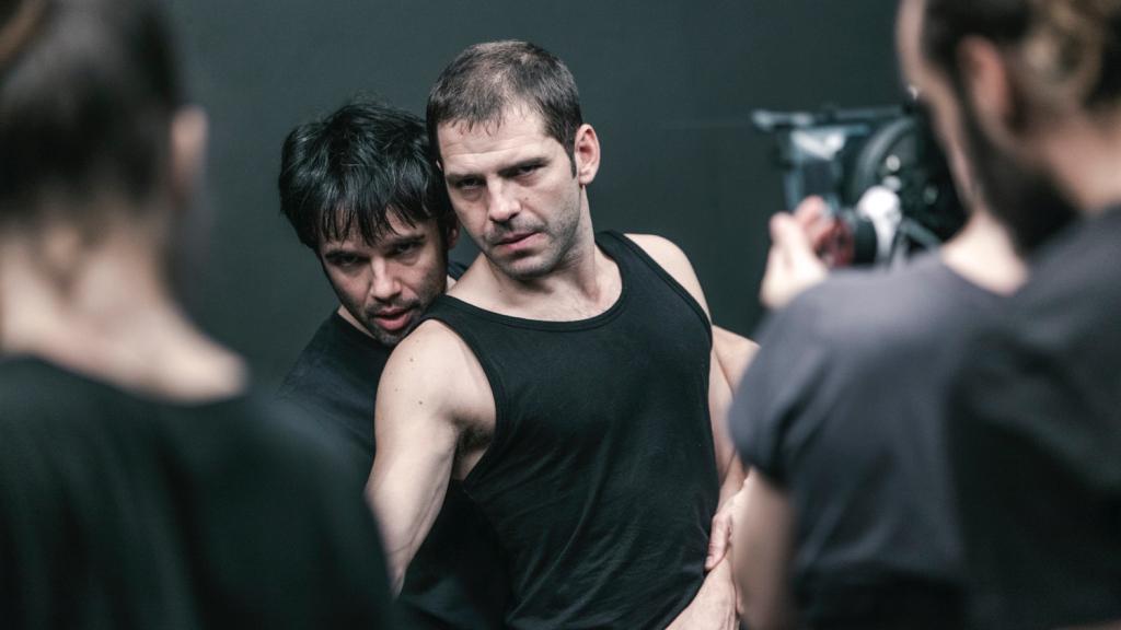 cine, ¿Qué tienen en común Don Miguel de Unamuno, una loca orgía y un par de toreros?