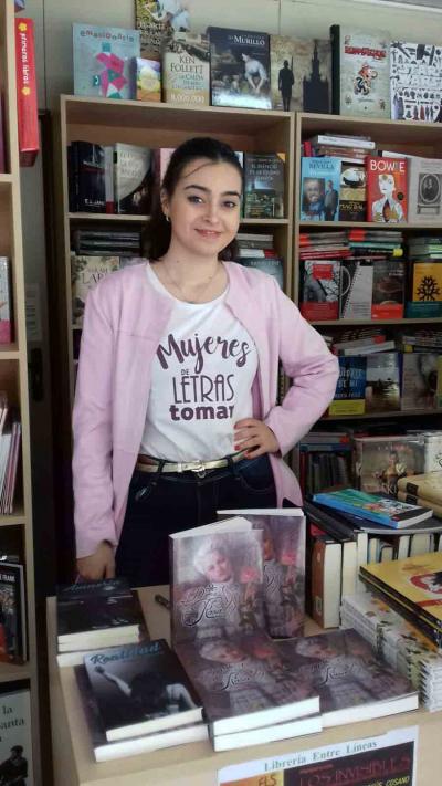 La dama de la rosa, Ángela Bonilla, 19 años, 3 novelas y la adaptación al cine del «La dama de la rosa»