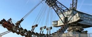 museo, Monstruos de hierro que escuchan ópera