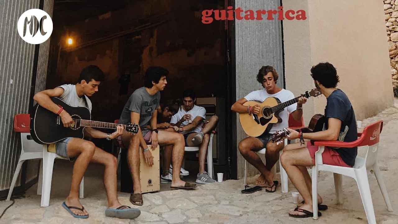 guitarricadelafuente, Guitarricadelafuente, poesía y golpe de cuerda en Sol Mayor