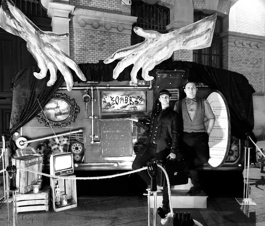 Caravana creada a raíz del espectáculo A-Sombras de Héctor Sansegundo.