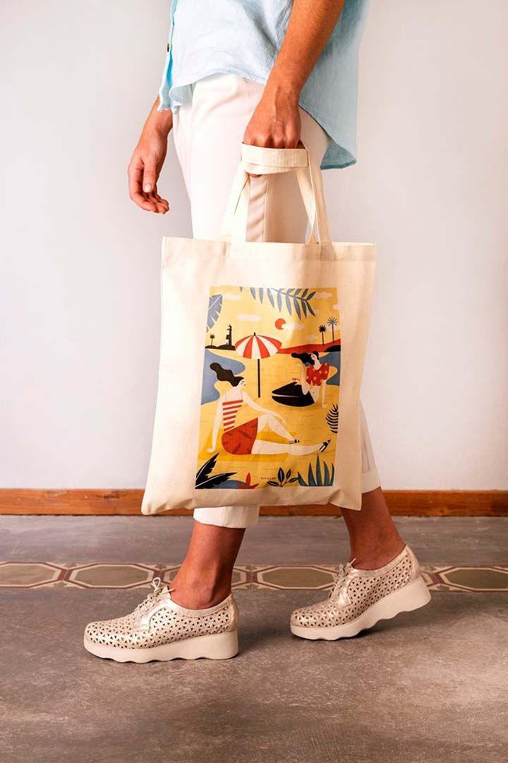 Tote bag con diseño de Arantxa Recio