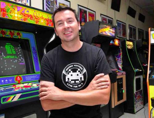 El director de Museo Arcade: «Máquinas originales han sido destrozadas por un vinilo del Barça»