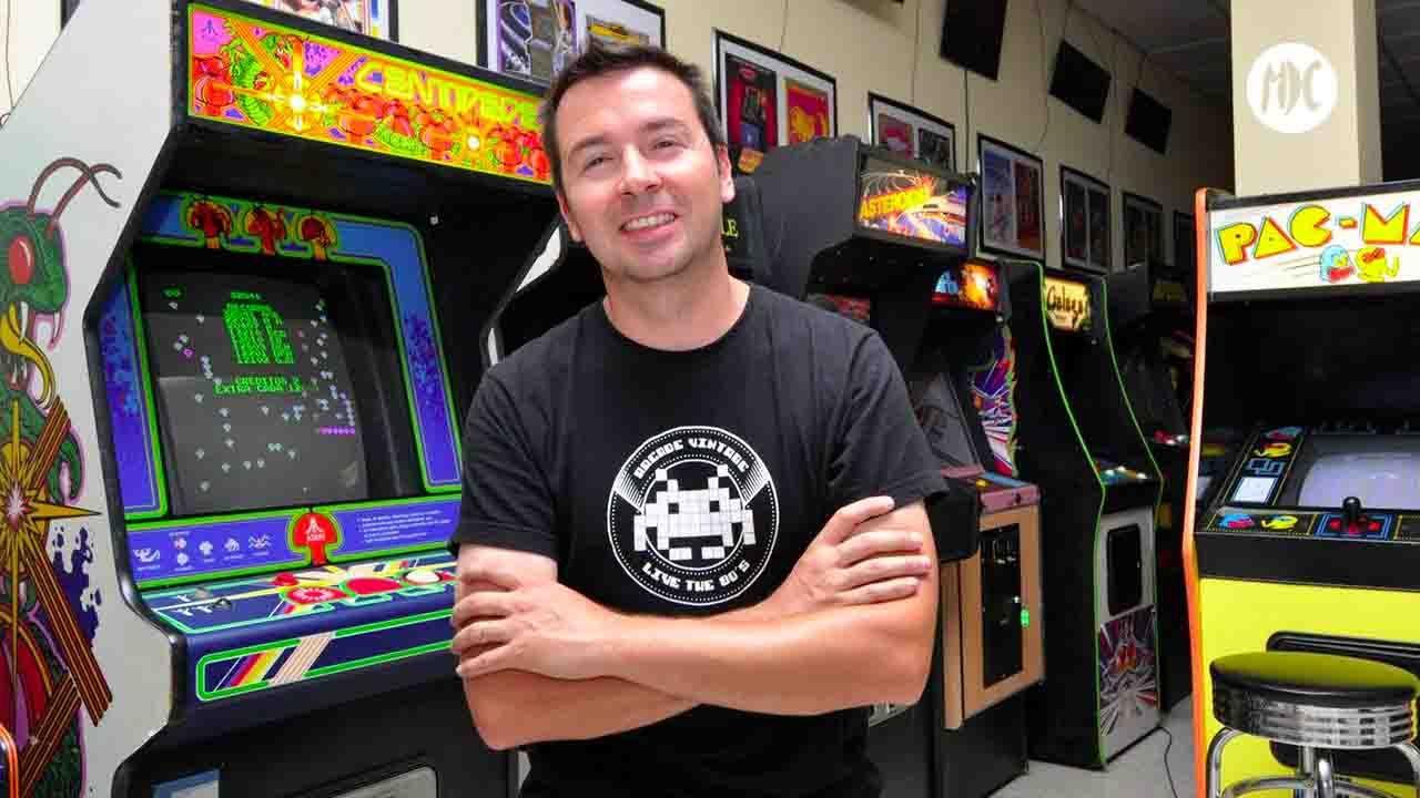 museo arcade, El director de Museo Arcade: «Máquinas originales han sido destrozadas por un vinilo del Barça»
