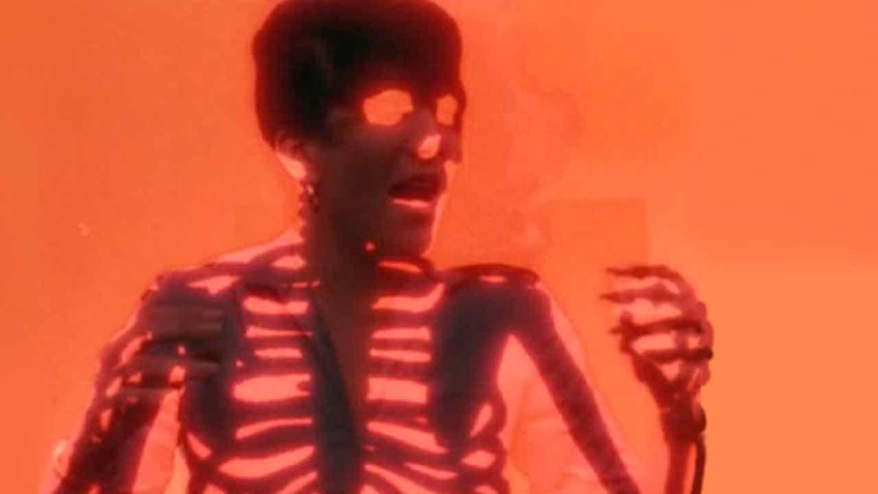 """Fotograma de un esqueleto en """"El día después"""""""