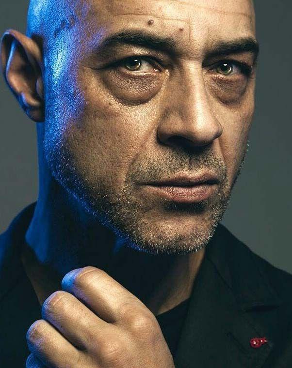 Ramiro Blas interpreta al doctor Sandoval en Vis a vis el oasis