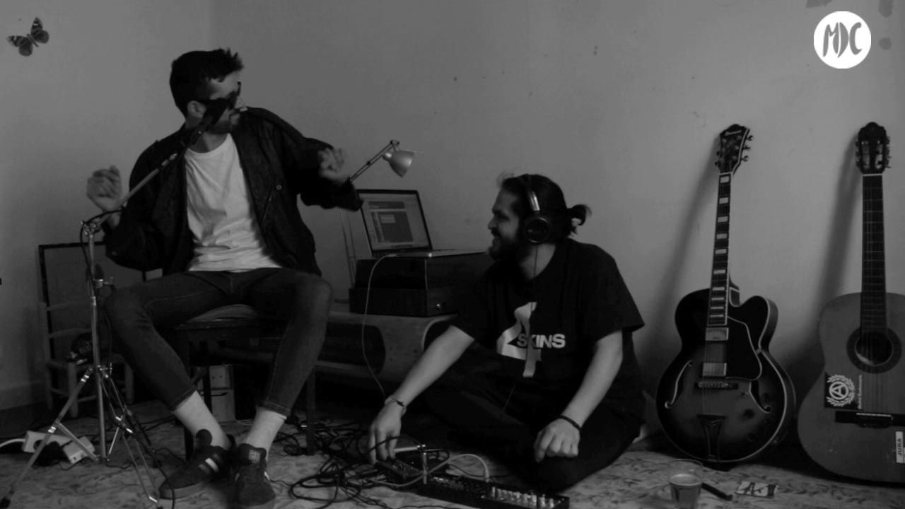 electrojota, La electrojota de elgatoconjotas: letras tradicionales con música electrónica