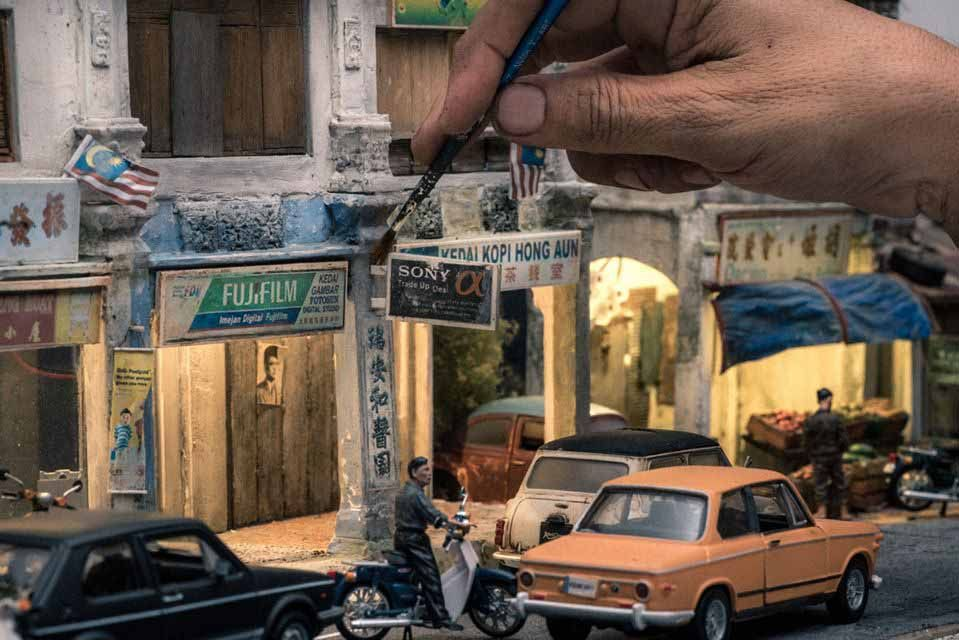 Eddie Putera, Eddie Putera, miniaturas hiperrealistas para retratar una sociedad