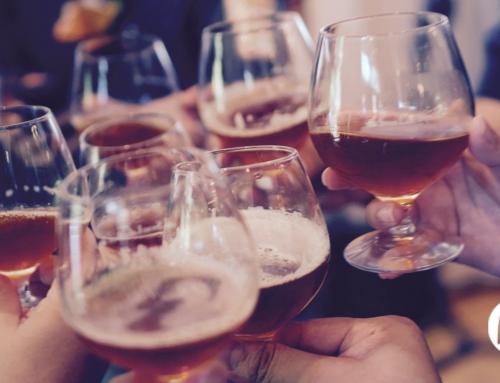 ¿Por qué brindamos al beber?: el origen de nuestras tradiciones