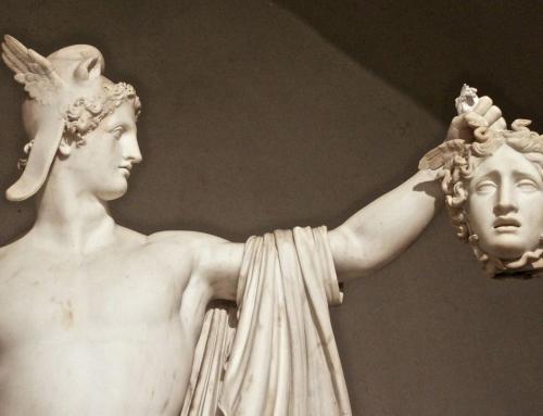 Ahora es Medusa quien decapita a Perseo