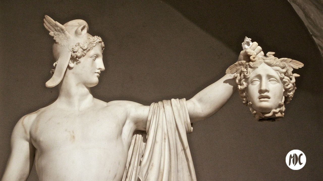 Medusa, Ahora es Medusa quien decapita a Perseo