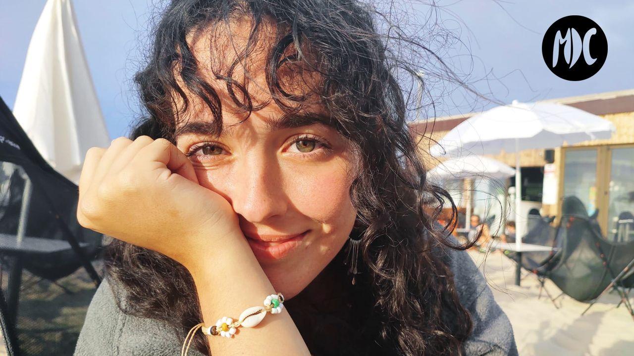 Ana, Ana Álvarez publica su primer libro: «Siento que el mundo real es una simulación ideada por un porretas de 16 años»