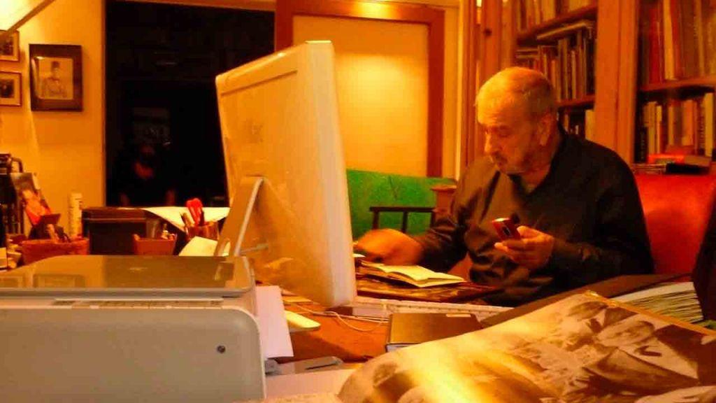 Jean Claude Carrière en su estudio