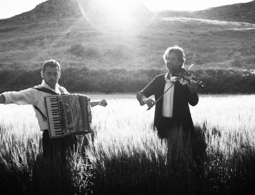 Fetén Fetén presenta Cantables II, un disco que recorre las músicas de raíz del mundo